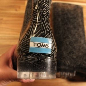 NWOT Toms black and white rain boots  size 10